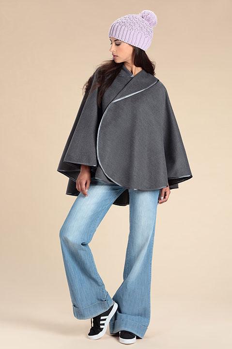 Cape grise femme hiver en lainage avec col asymetrique (Vue de Face Look)