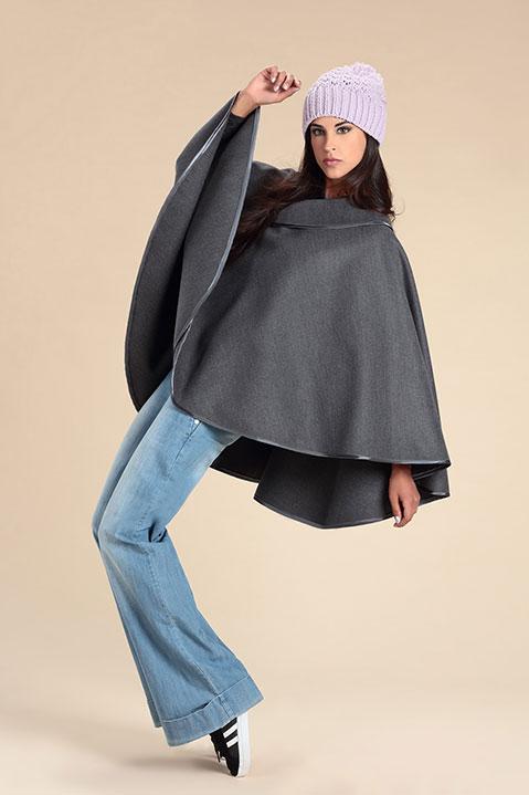 Cape grise femme hiver en lainage avec col asymetrique (Vue de Profil)