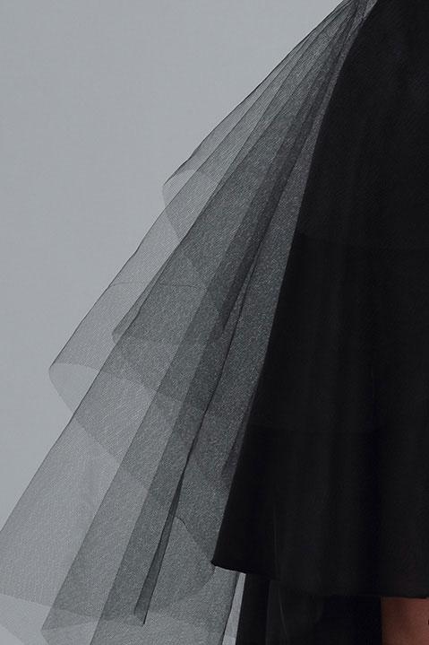 Jupe tutu noire longue devant courte derriere en tulle (Vue détail)