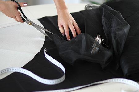 Patronage Jupe tutu noire courte devant et longue derrière en tulle