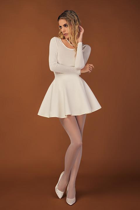 Mini Jupe patineuse ivoire en lainage (Look 2)