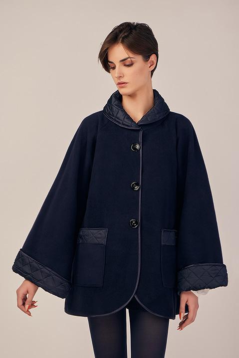 Manteau mi-long bleu nuit en lainage avec poches et manches kimono
