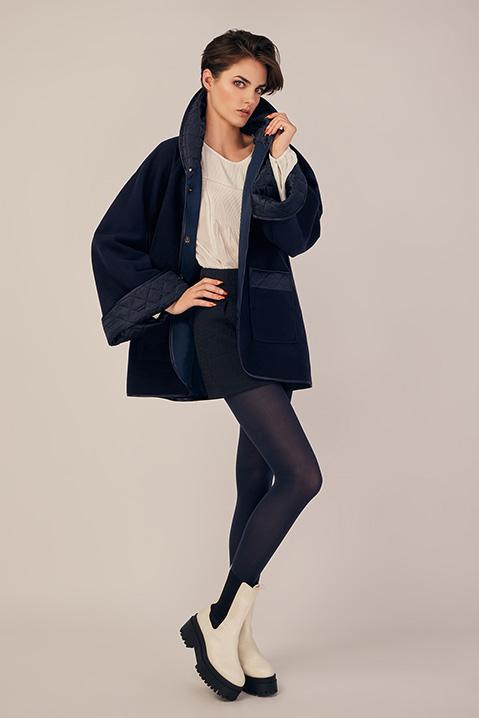 Manteau mi-long bleu nuit en lainage avec poches et manches kimono (Look 2)