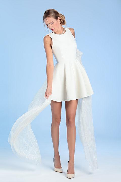Robe de mariée ivoire patineuse courte en lainage