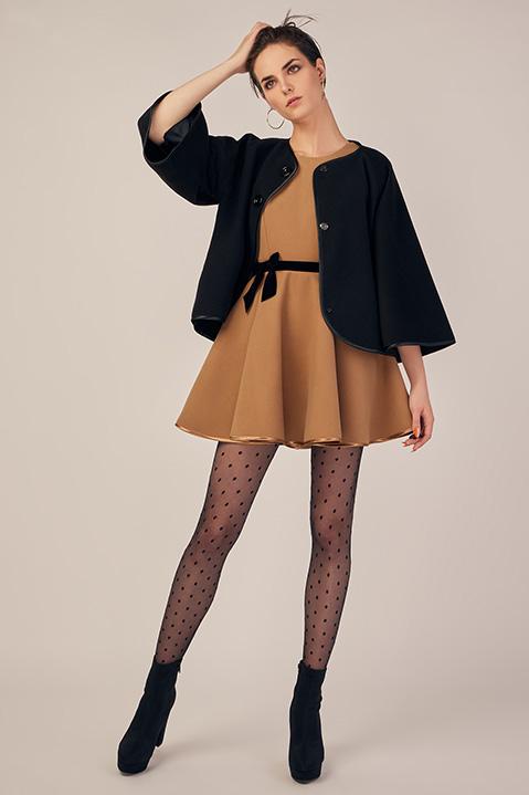 Robe Patineuse en lainage beige camel et ceinture noire (Look Mariée)