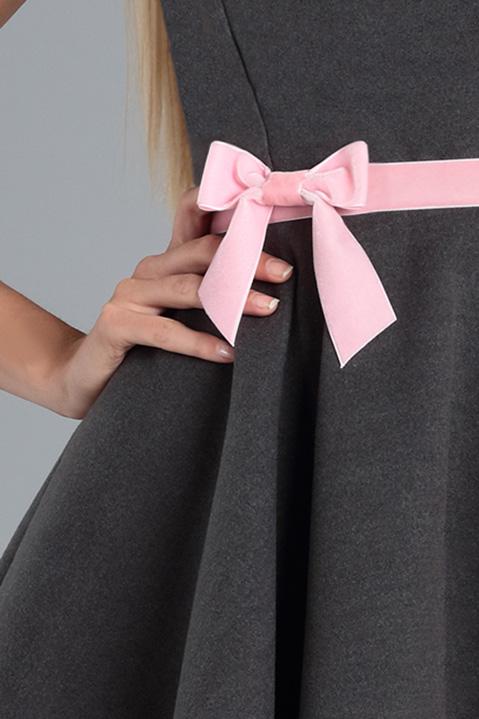 Robe Patineuse en lainage gris et ceinture rose (Detail Ceinture)