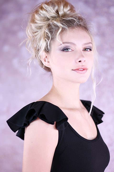 Petite Robe Noire Patineuse (portrait)