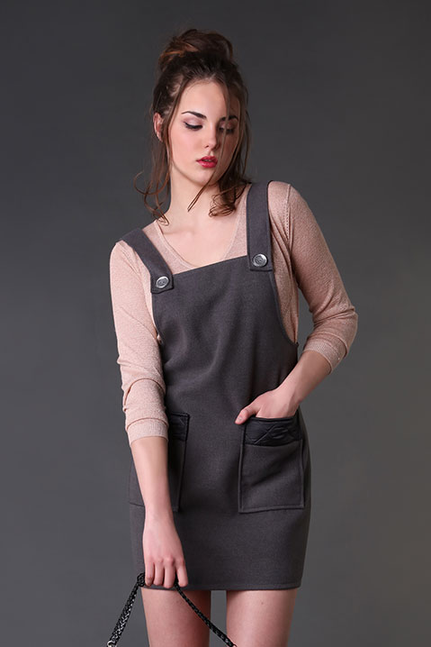 Robe Salopette en lainage Gris (Vue de Face Pose)