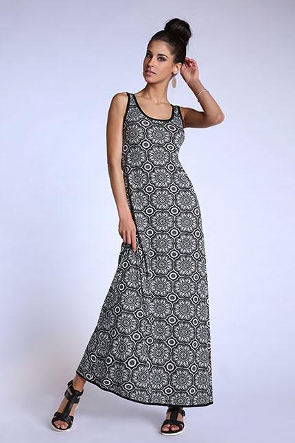 Robe longue évasée sans manche motif noir et blanc