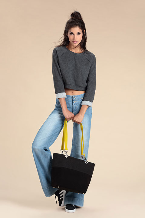 Sac a main en lainage gris et sangles jaunes (Look 2 avec Sweat)