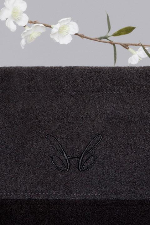 Sac a main en lainage gris et sangles jaunes (Detail Logo Broderie)