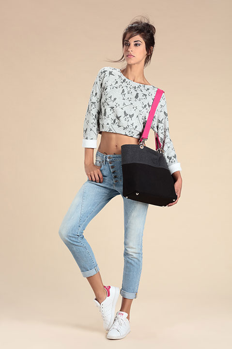 Sac a main en lainage gris et sangles roses (Look 1 avec Sweat)