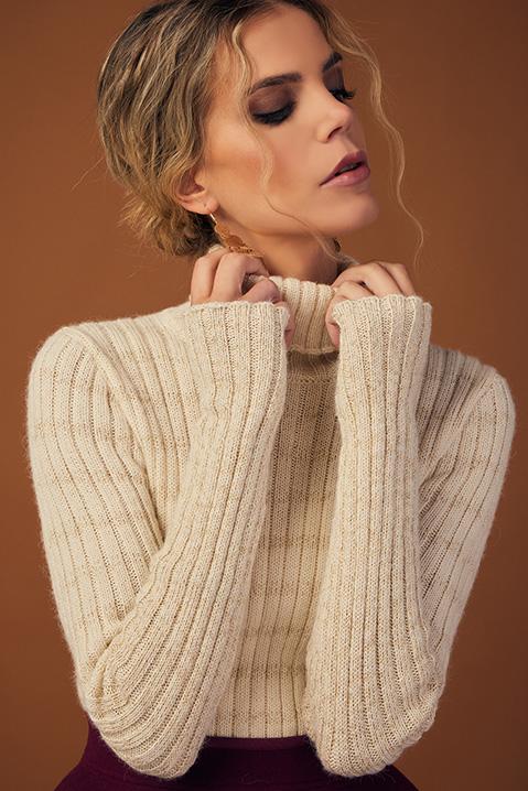 Pull femme col roule laine 100 pourcent alapaga ecru (Look 1 en pied)