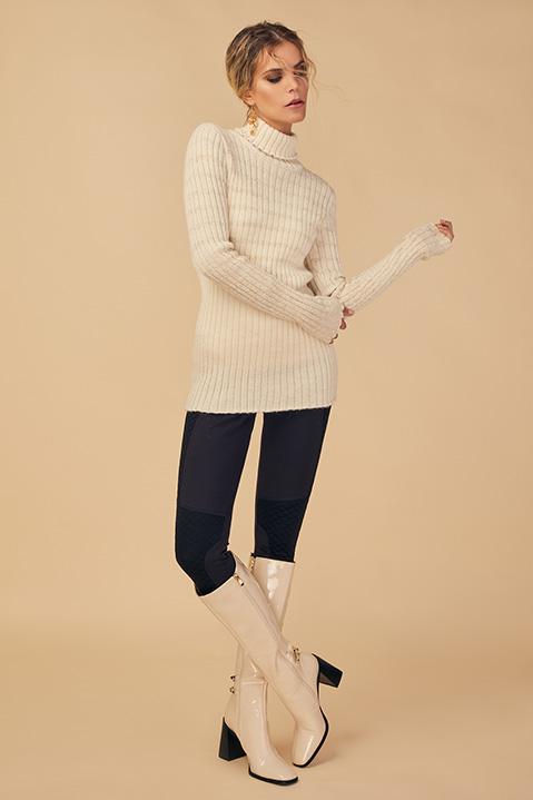 Pull femme col roule laine 100 pourcent alapaga ecru (Look 1 portrait)