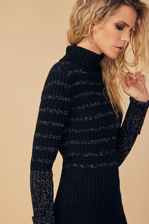 Pull femme col roule laine 100 pourcent alapaga noir (Look 1 pose)