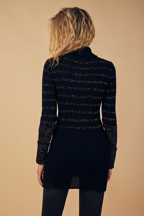 Pull femme col roule laine 100 pourcent alapaga noir (Detail manche alpaga)